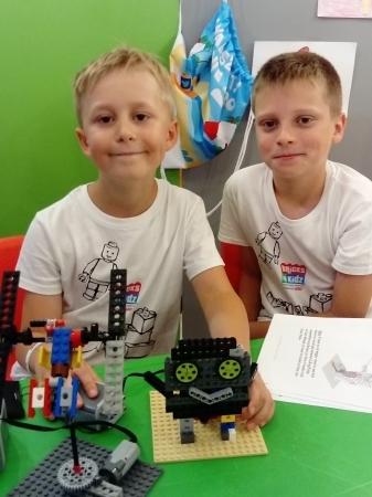 Kreatywne Środy LEGO KONSTRUKTOR  ( 5-12 lat ).